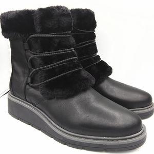 Clarks climate warm faux fur boots Size9